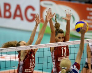 Volleyball Ladies Blocking